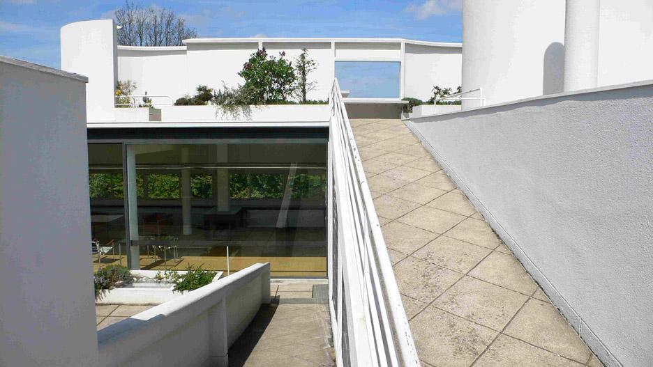 villa-savoye-le-corbusier-4